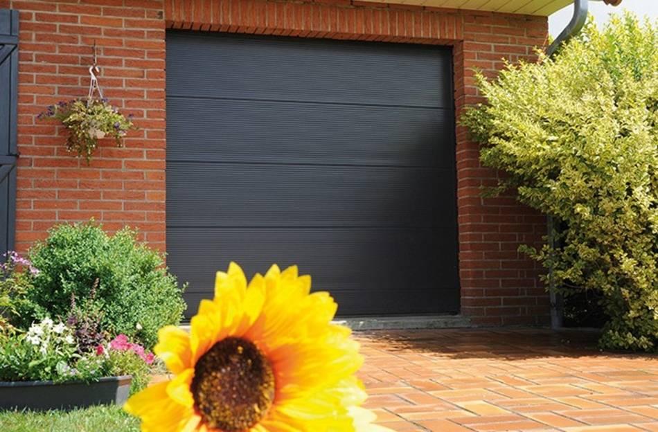 3 idées de portes de garage sur-mesure pour vous inspirer