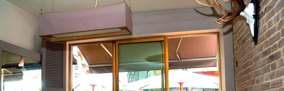 Pose D Un Store Banne Avec Auvent Pour Le Restaurant La Table Des